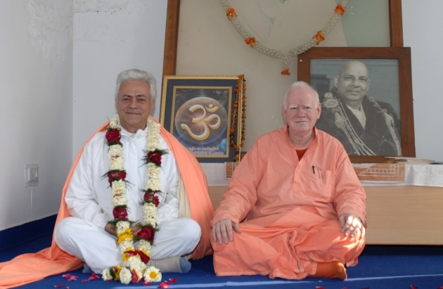 Rencontre avec H.H. Svāmin Vimlānanda Sarasvatī Mahā Rāja et H.H. Svāmin Yogasvarupānanda