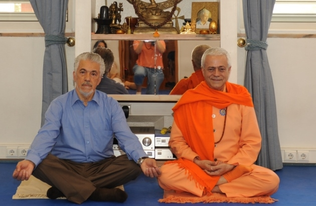 Visit of Prof. António Pedro at the Headquarters of the Portuguese Yoga Confederation, Lisboa - 2012