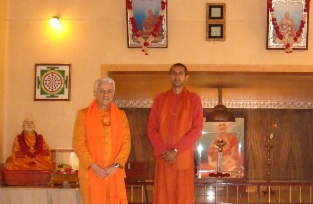 Encontro com Svámin Súryaprakash - Bihar School of Yoga, Munger, Índia - 2010, Janeiro