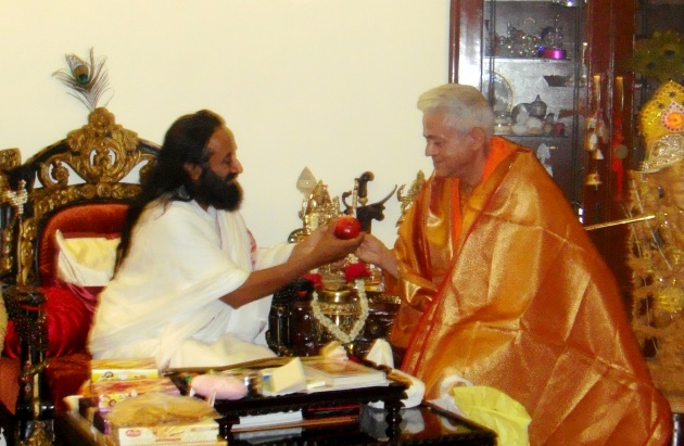Meeting with Shrí Shrí Ravi Shankar - Headquarters of the Art of Living Foundation, Bengaluru, India - 2010, January