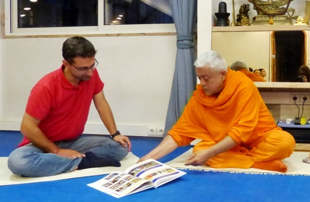 Visit of Diogo Lopes - President of the Portuguese Buddhist Union - at the Headquarters of the Portuguese Yoga Confederation, Lisboa - 2015