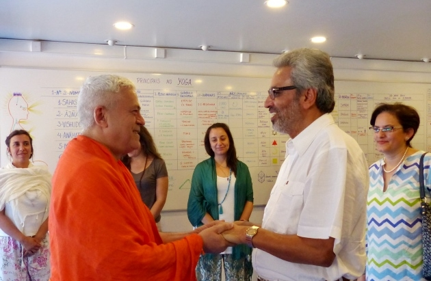 Visit of Bawa Jain -  Secretary-General for the World Council of Religious Leaders -  at the Headquarters of the Portuguese Yoga Confederation, Lisboa - 2015