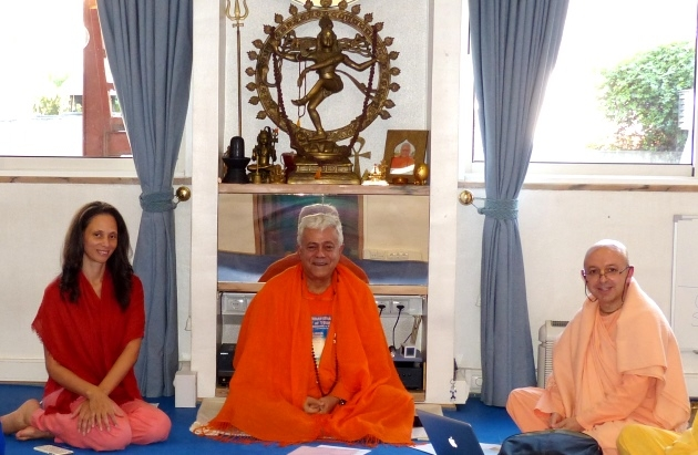 Meeting with Svámin Yadunandana  - ISKCON Hare Krshna -  at the Headquarters of the Portuguese Yoga Confederation - 2015