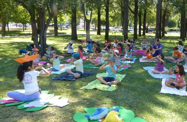 Clase del Yoga Sámkhya para Niños en el Campo Férias Eb 1 Stº António - 2017, julio