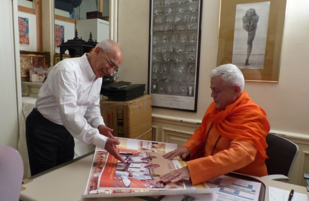 Meeting with Guru Jī Shrīcharan Faeq Biria - Centre de Yoga Iyengar de Paris - 2015, November, 26th