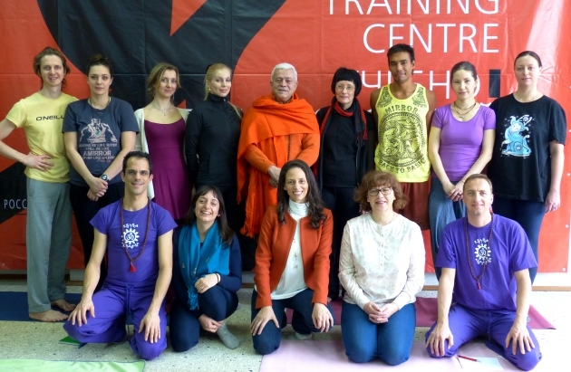 Course for Increasing the Qualification in Yoga given to the Teachers of the Yoga Russian Federation  by Yoga Guru Amrta Súryánanda Mahá Rája – Russia – 2016, March