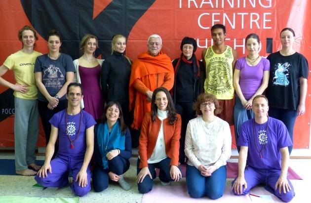 Curso de Aumento de Qualificação em Yoga aos Professores da Federação Russa do Yoga dado pelo Yoga Guru Amrta Súryánanda Mahá Rája - Rússia - 2016, Março