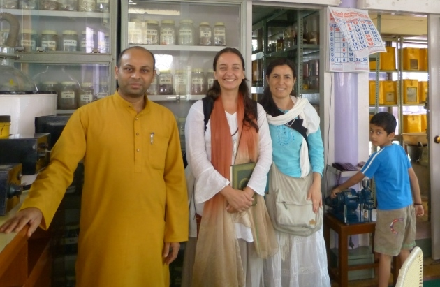Training on the Extraction and Production of Ayurvedic Medicines - Shantikunj Áshrama, Haridvar