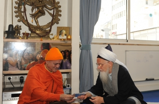 Visit of Shaykh Hassan - Responsable for the Naqshbandi Sufi Order in Europe - at the Headquarters of the Portuguese Yoga Confederation, Lisboa - 2012