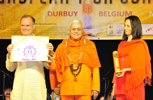 Attribution of the Title of Grand International Yoga Master and Keilasha award to Master Sukadev Bretz - 2016, May