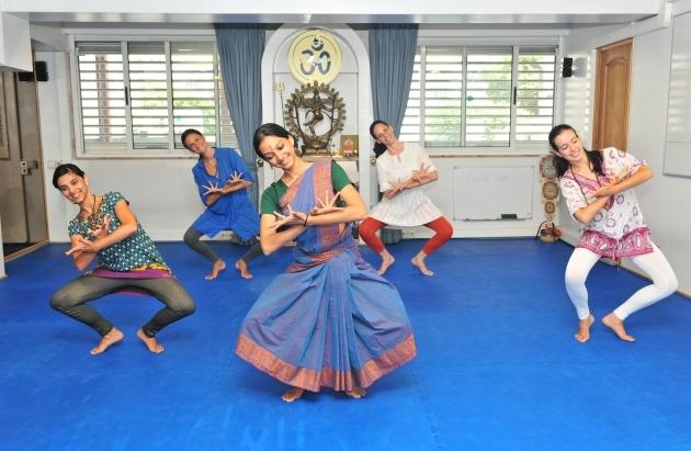 Cours de Bhāratanathyam par la Kalakshetra Foundation au Portugal, 2015