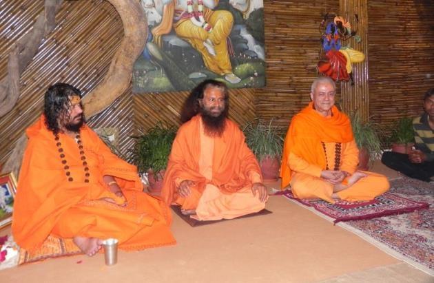 Rencontre avec H.H. Pujya Svāmin Chidanand Sarasvatiji Maharaj visite au Parmarth Niketan Āshrama, rshikesh, Inde - 2013, mars