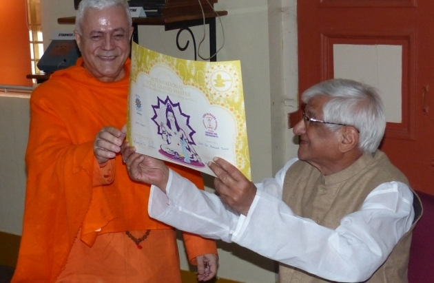 Attribution of the Title of Grand International Yoga Master and Keilasha award to H.H. Shrí Om Prakash Tiwari - 2015, March