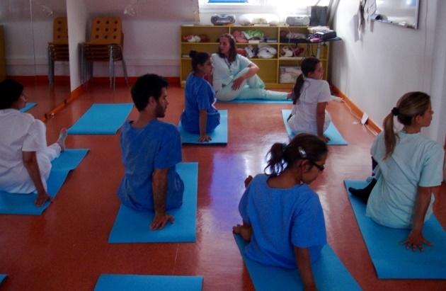 Clase del Yoga Sámkhya en la Maternidad Alfredo da Costa - 2016, junio, 14