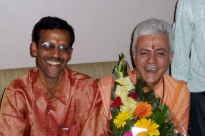 Encontro com o Dr. Jagadish Bhutada, Keivalyadhama Yoga Institute, Lonavala, Índia - 2009, Dezembro