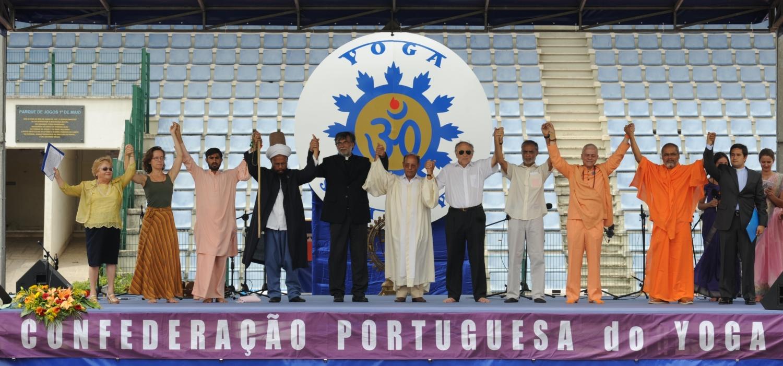 International Day of Yoga 2011, Lisboa - Os representantes das Principais Religiões dão as mãos em nome da Paz