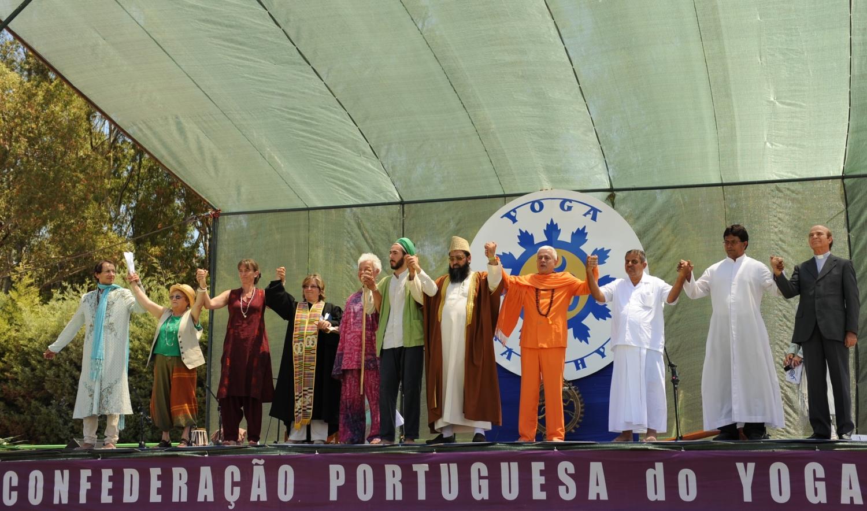 International Day of Yoga 2012, Beja - Os representantes das Principais Religiões dão as mãos em nome da Paz