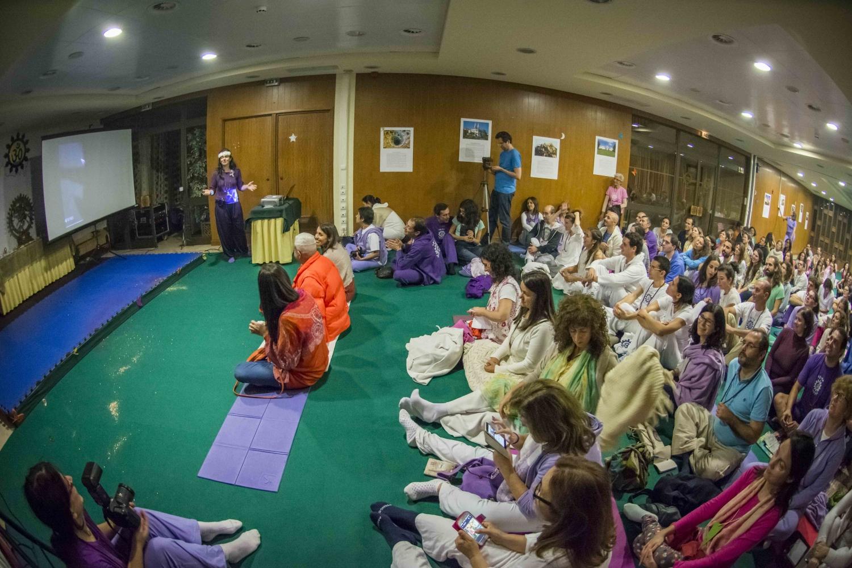 Conferência : Yoga, Kriyá e Alimentação Biológica - Instrutora Mani