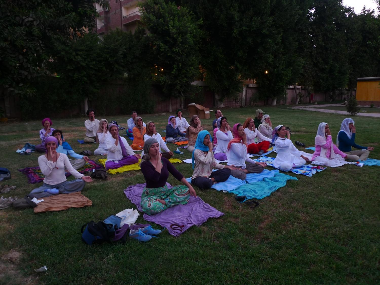 Prática do Yoga - Menia