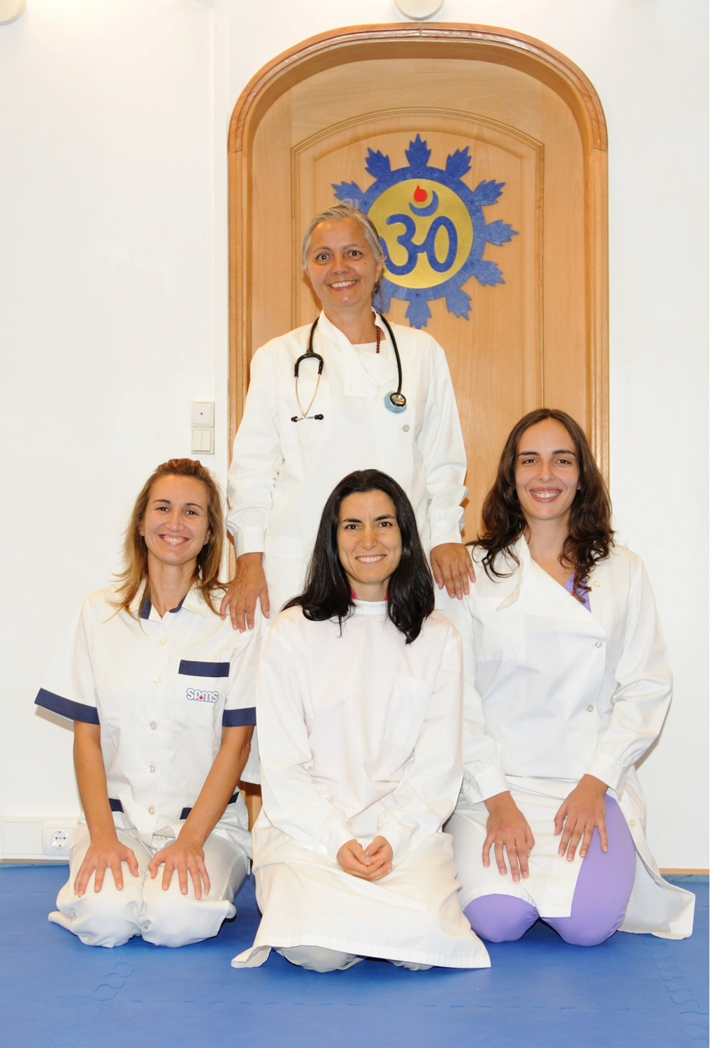 Medical and Ayurveda Department of Portuguese Yoga Confederation - The Director, Dr. Alice Paulo, and Paramedical Personnel