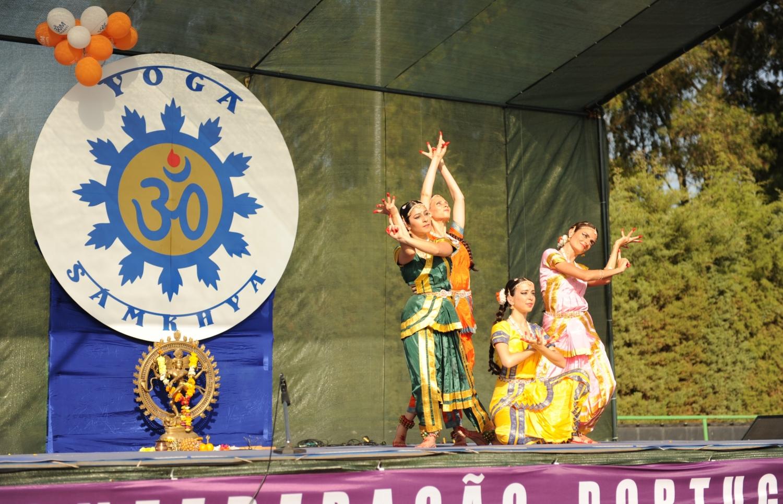 Apresentação de Bháratanathyam pelo Shiva Rája - International Day of Yoga 2012, Beja
