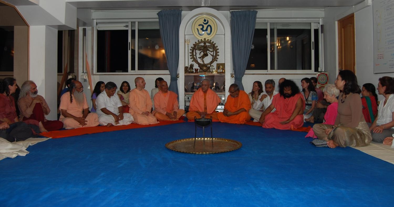 Recepção dos Mestres convidados no Dia Internacional do Yoga na Sede da Confederação Portuguesa do Yoga, Lisboa – 2011
