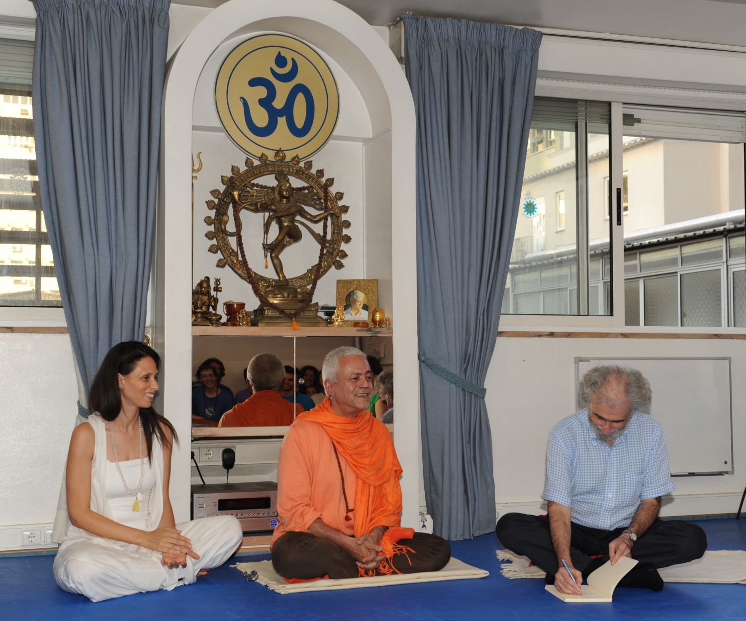 Visit of Ramiro Calle at the Headquarters of the Portuguese Yoga Confederation, Lisboa – 2011