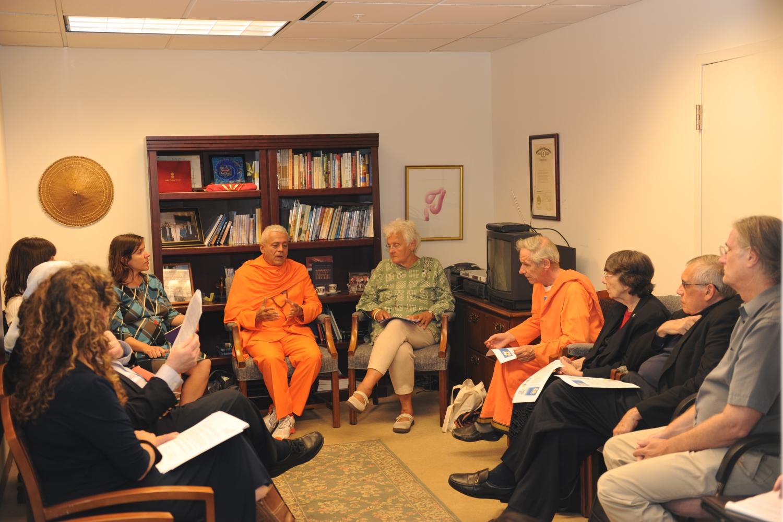 Discurso de H.H. Jagat Guru Amrta Súryánanda Mahá Rája no actual Parlamento das Religiões do Mundo – 2012, Set., 11