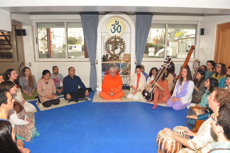 Visita de Sua Excelência Jitendra Natrh Misra - Embaixador da Índia em Portugal - na Sede da Confederação Portuguesa do Yoga – 2014