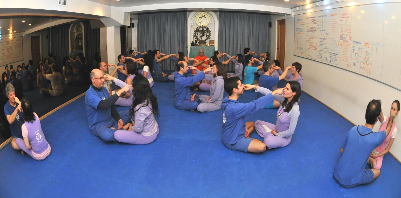 SHAKTA COUPLES - Meditation for Peace at the Portuguese Yoga Confederation