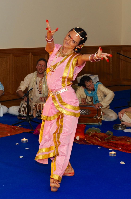 Shiva Rája - Dança Tradicional Sagrada da Índia - Bháratanathyam