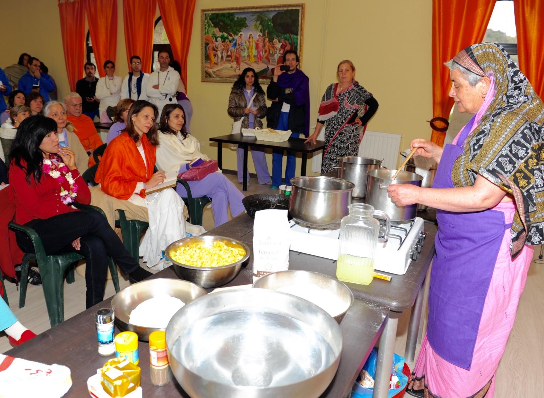 Workshop de cozinha vegetariana pela ISKCON