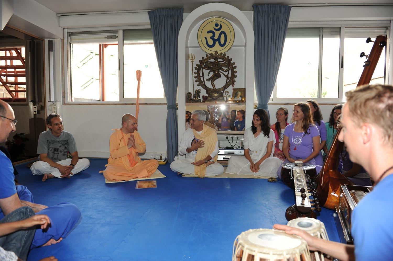 Visita de Svámin Yadunandana  - ISKCON Hare Krshna - na Sede Nacional da Confederação Portuguesa do Yoga – 2010