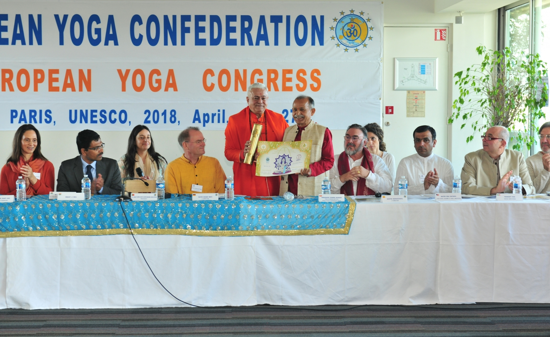 Atribuição do Título de Grande Mestre Internacional do Yoga e Prémio Keilasha a Master Chandra Bandhari - 2018, Maio