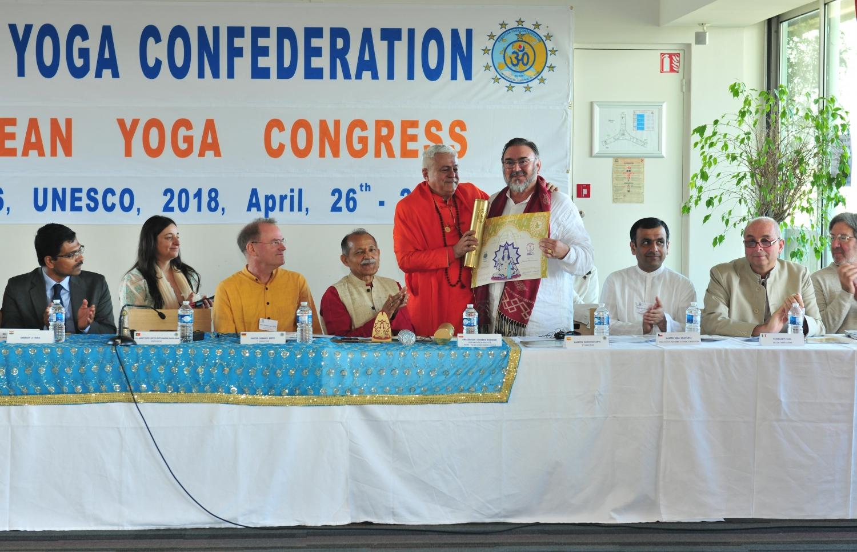 Atribuição do Título de Grande Mestre Internacional do Yoga e Prémio Keilasha a Maestro Madhavacharya - 2018, Maio