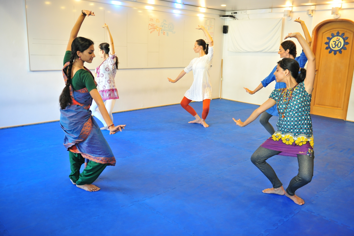 Bháratanathyam Classes by Kalakshetra Foundation in Portugal, 2015