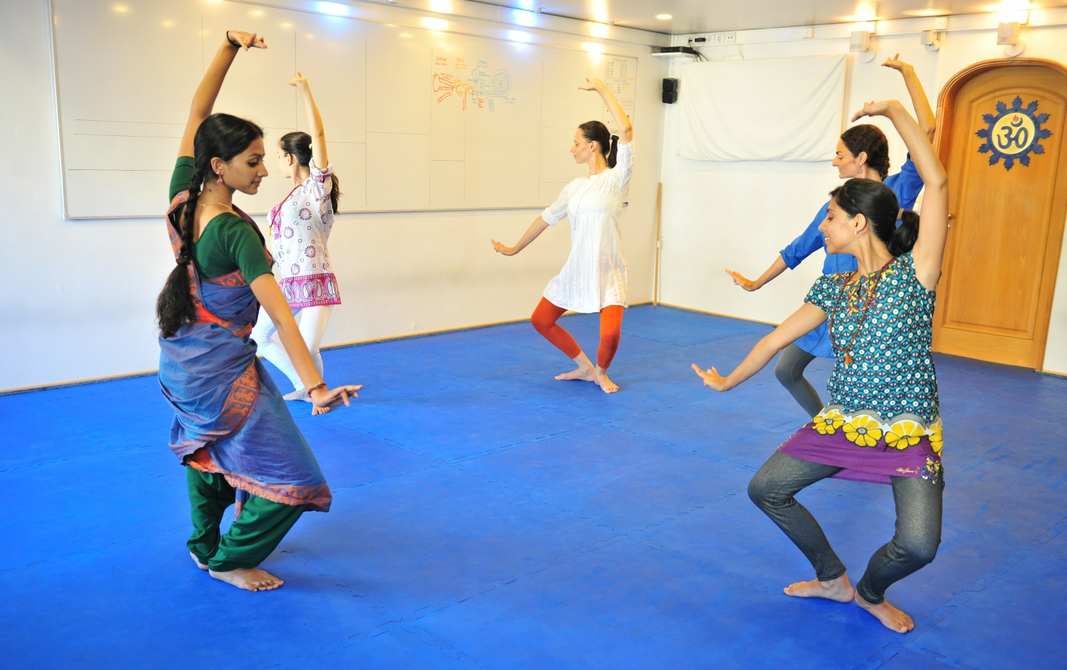 Bharat Nathyam Classes by Kalakshetra Foundation in Portugal, 2015