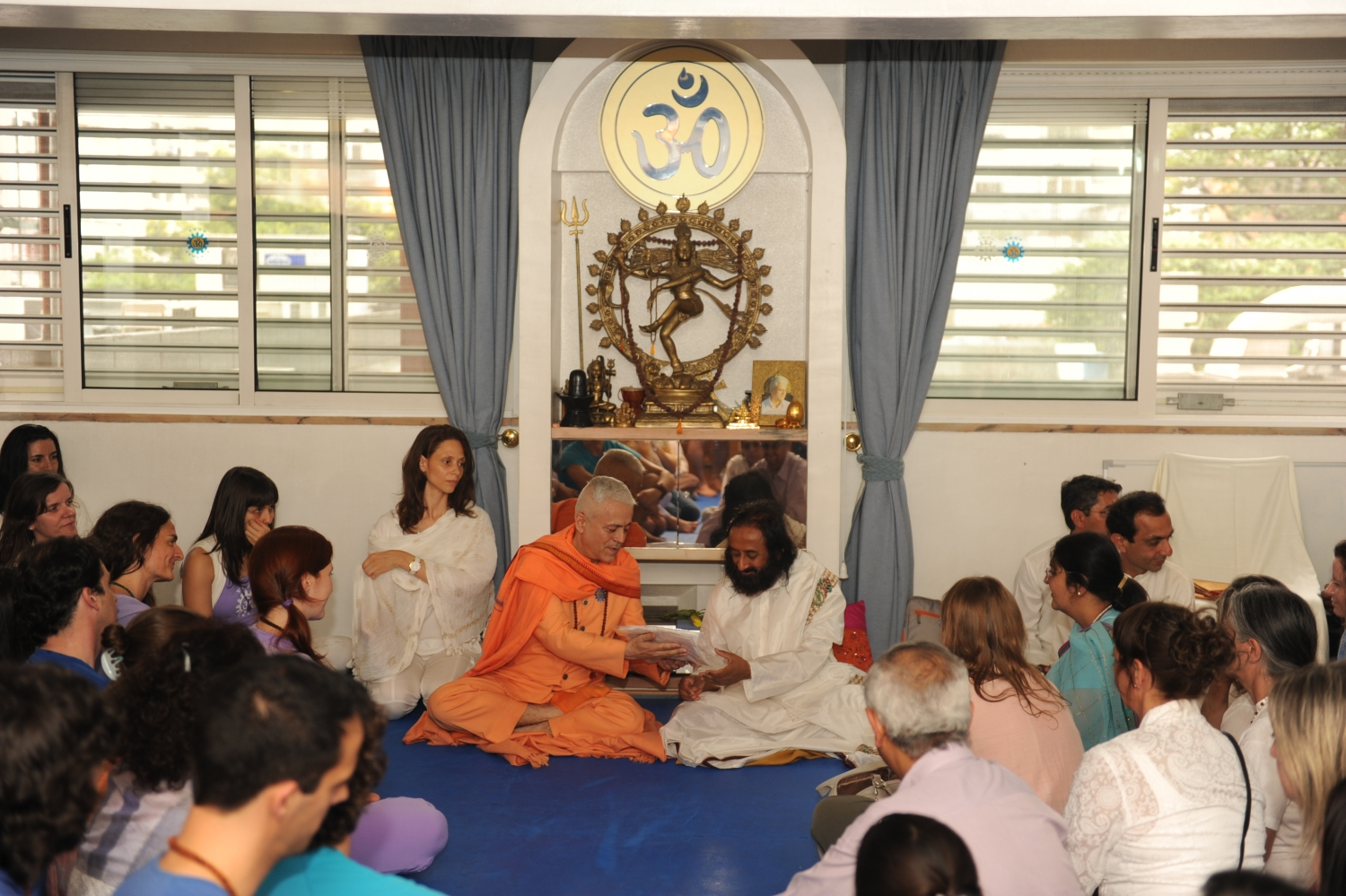 Visit of Shrí Shrí Ravi Shankar at the Headquarters of the Portuguese Yoga Confederation