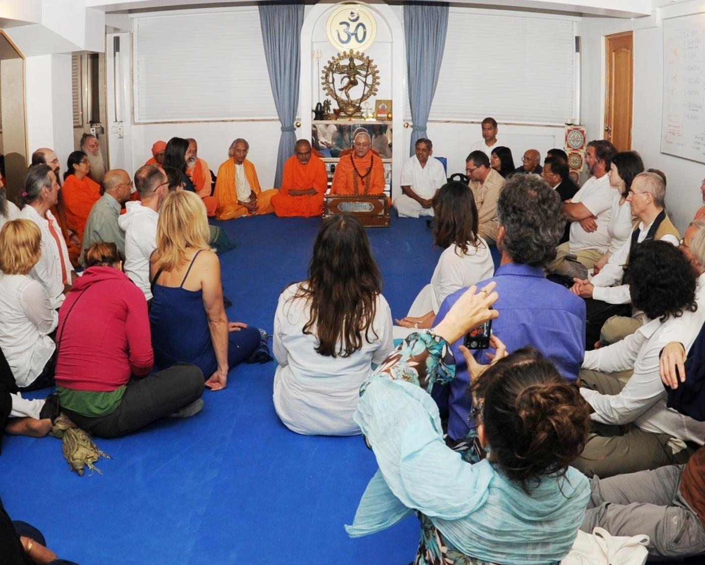 Recepção dos Mestres convidados no Dia Internacional do Yoga na Sede da Confederação Portuguesa do Yoga, Lisboa – 2013