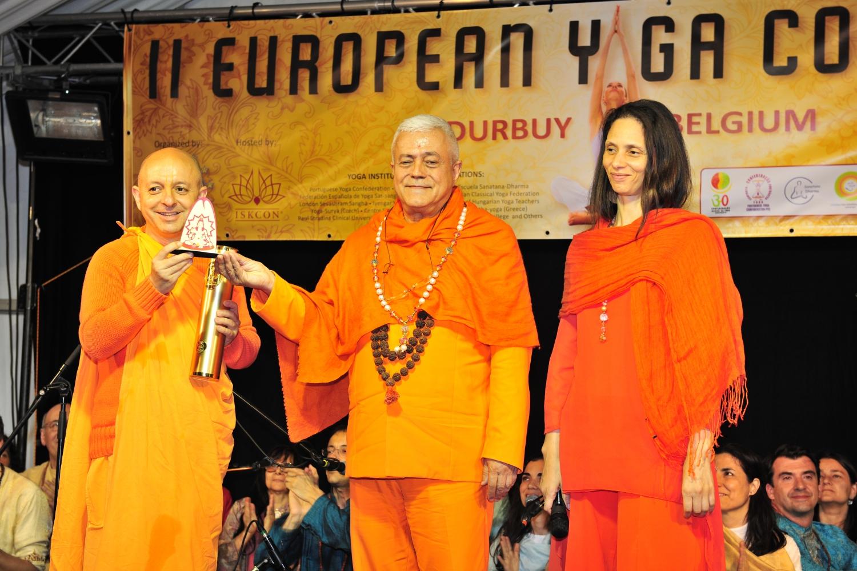 Atribuição do Título de Grande Mestre Internacional do Yoga e Prémio Keilasha a Svámin Yadunandana Mahá Rája - 2016, Maio