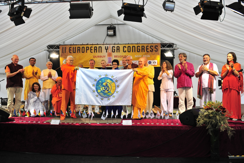 Cerimónia de Encerramento com todos os Mestres Representantes dos Paìses Europeus membros da Confederação Europeia do Yoga