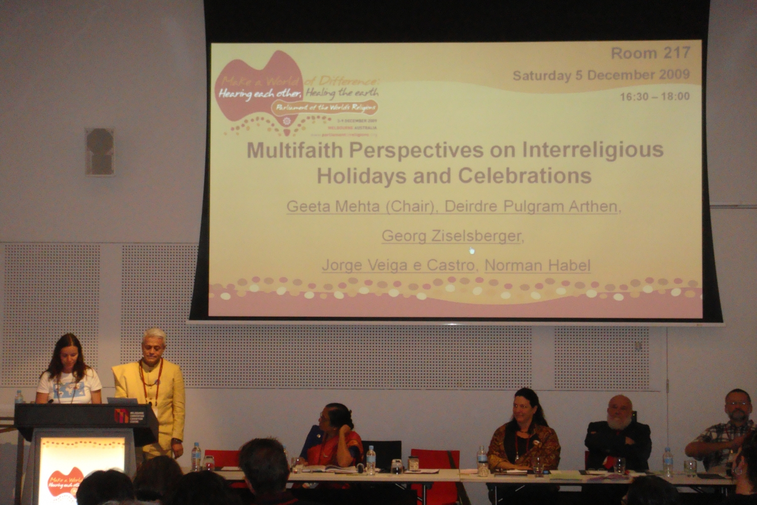 Conferência do Guru Jí durante a sessão 'Multifaith Perspectives on Interreligious Holidays and Celebrations'