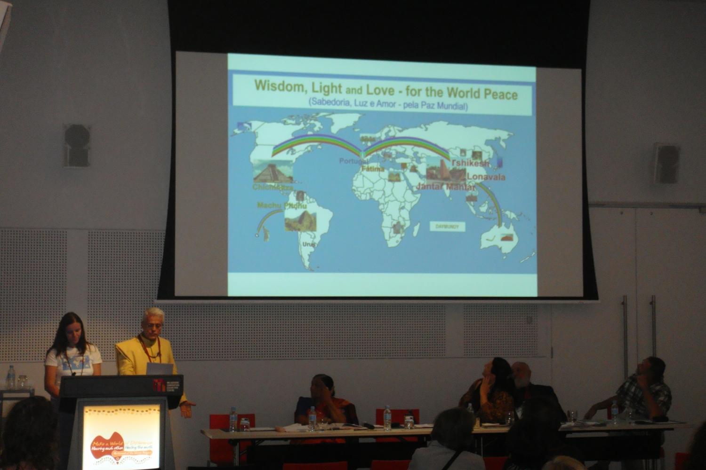 Conferência do Guru Jí durante a sessão