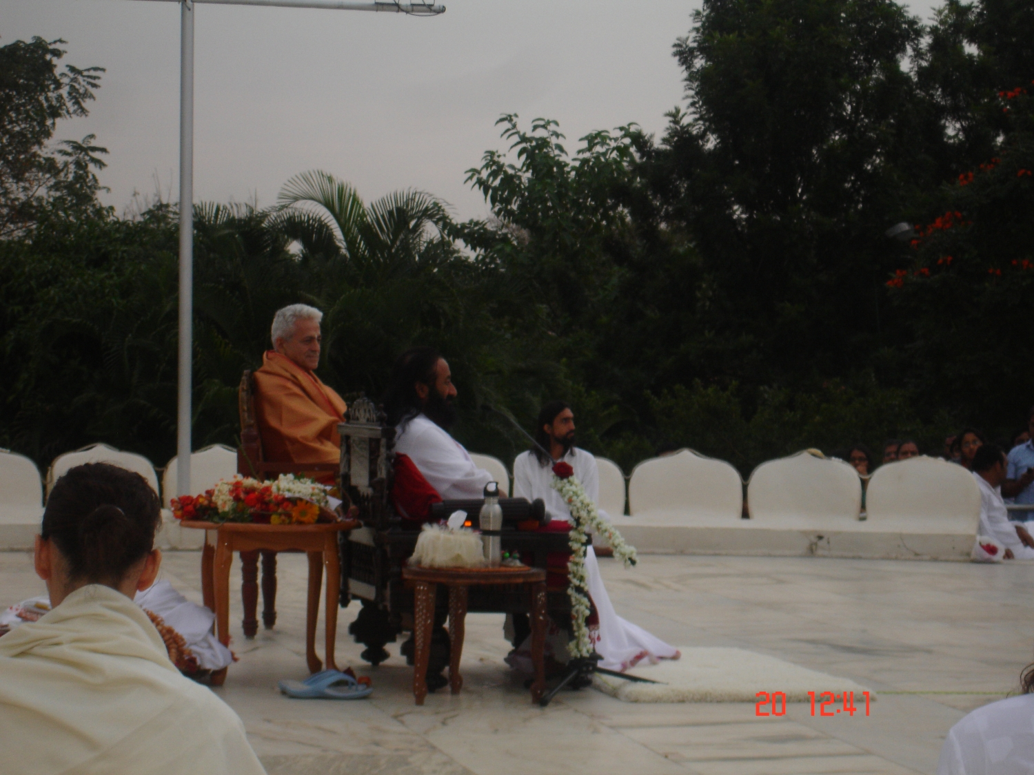 Meeting of H.H. Jagat Guru Amrta Súryánanda Mahá Rája with Shrí Shrí Ravi Shankar - Headquarters of the Art of Living Foundation, Bengaluru, India - 2010, January