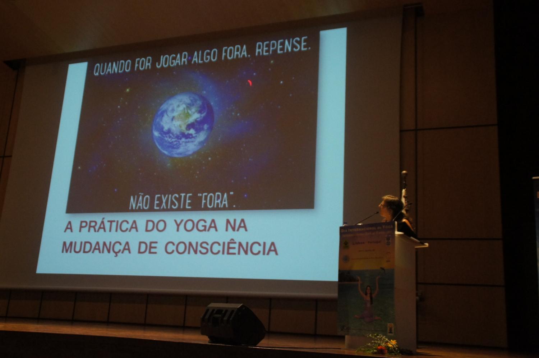 Dia do Sámkhya - da Filosofia e da Ciência - 2017 - Conferência pela Prof.ª Kúrma (Cláudia Martins)