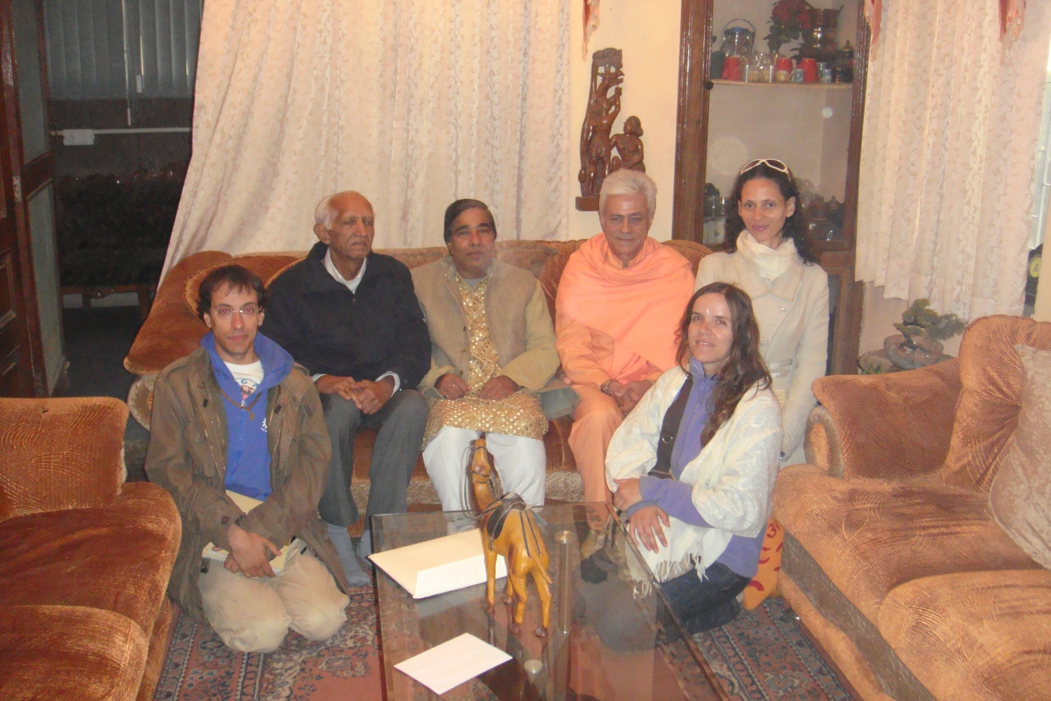 Meeting of H.H. Jagat Guru Amrta Súryánanda Mahá Rája with Dr. Gopalji - Dillí, India - 2010, January