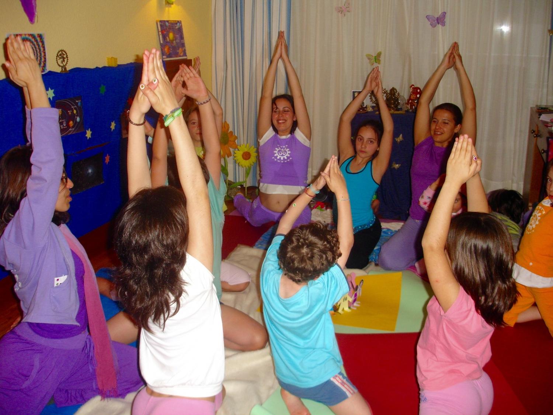 Ardha Sádhaná Ganesha - Yoga for Children's Class