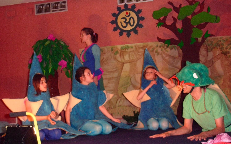 Peça de Teatro com Crianças muito necessária aos Adultos