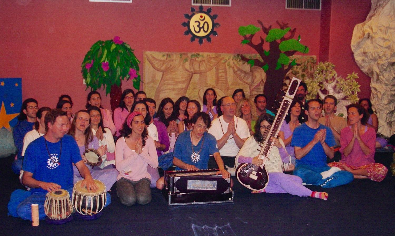 Omkára - Choir Orchestra of Mantra of the Portuguese Yoga Confederation