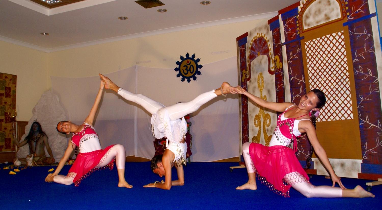 Espetáculo 'Shiva e Párvati' pelo Pashupati - Demonstradores do Yoga Tradicional Avançado